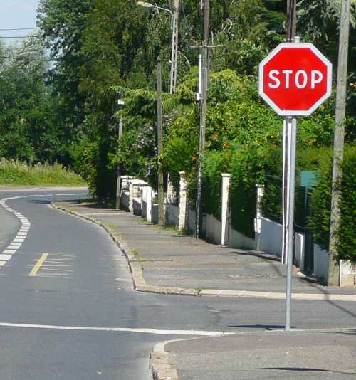 panneau stop paris