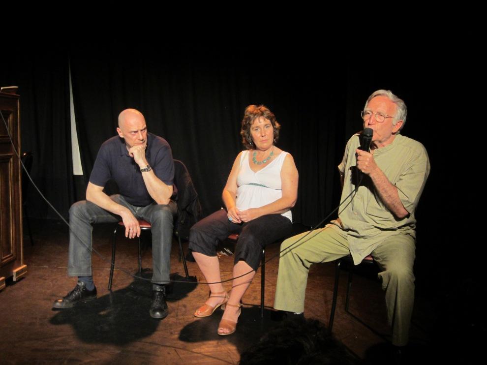 Alain Soral, Béatrice Pignède et Jacob Cohen au micro, ont débattu avec le public